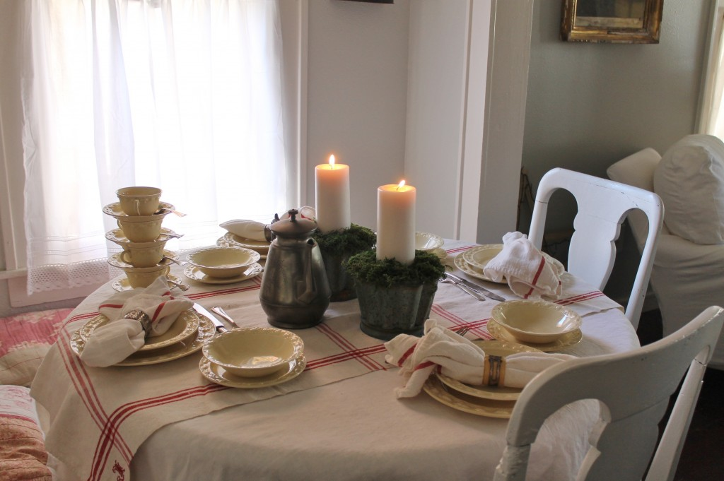 The Scandinavian Christmas table.  Simple and elegant.