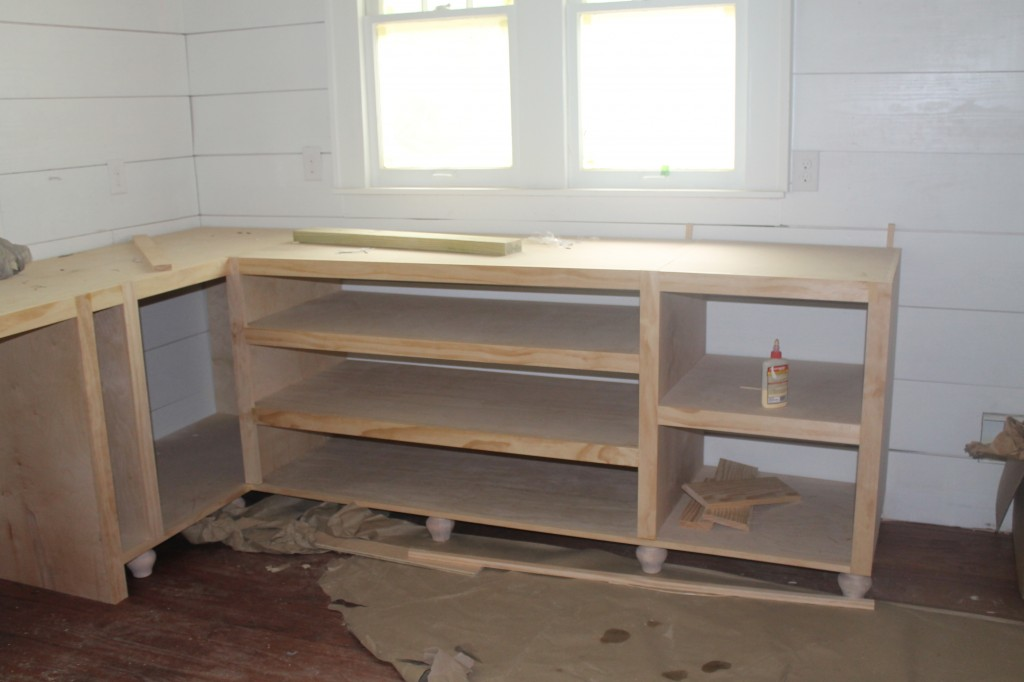 More kitchen cabinets.  Note the bun feet instead of a toe kick.
