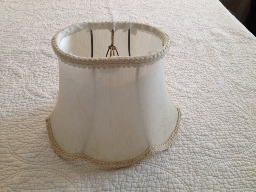 Oval Scalloped Shade - Before.